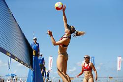 20150828 NED: NK Beachvolleybal 2015, Scheveningen<br />Kwalificaties NK Beachvolleybal 2015, Laura Bloem, Marloes Wesselink