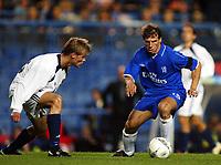 Fotball. 19. september 2002.<br /> Soccer. September 19 2002.<br /> UEFA Champions League. <br /> Chelsea - Viking. Gianfranco Zola, Chelsea, og Tom Sanne, Viking.<br /> Photo: Anders Hoven, Digitalsport.
