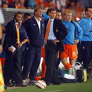 NLD/Eindhoven/20050907 - WK kwaificatiewedstrijd Nederland - Andorra, Johnny van 't Schip, Marco van Basten, Dirk Kuyt