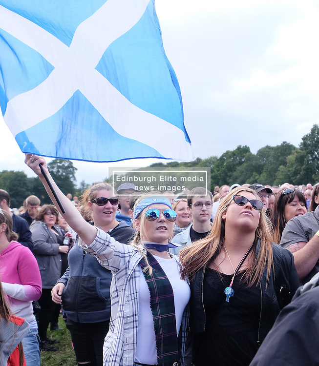 Party At The Palace, Linlithgow, Scotland, Saturday 13th August 2016<br /> <br /> The Proclaimers perform on the main stage<br /> <br /> (c) Alex Todd   Edinburgh Elite media