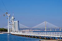 Portugal, Lisbonne, Tour et Pont de Vasco de Gama, le plus long pont de l'Europe, Torre Vasco da Gama, téléphérique // Portugal, Lisbon, Vasco da Gama bridge, the longest bridge of Europe, and Tower or Torre Vasco da Gama, cable car