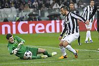 Fotball , 6. mars 2013<br />  Champions League Season 2012/13<br />  Juventus vs Celtic Glasgow <br /> <br /> Fabio Quagliarella Juventus Fraser Forster Celtic <br /> Norway only