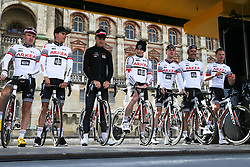 March 10, 2019 - Paris, Ile-de-France, France - Arkea Samsic cycling team poses during the team's presentation at the start of the 138,5km 1st stage of the 77th Paris-Nice cycling race between Saint-Germain-en-Laye and Saint-Germain-en-Laye in the west suburb of Paris, France, on March 10, 2019. Whether leaders of a team or merely a team-mate, the riders on the Paris-Nice try to excel, either individually or as a team. According to the stage profiles, changes in the general standings or some unexpected circumstance during the race, each rider adapts his objectives to the situation. (Credit Image: © Michel Stoupak/NurPhoto via ZUMA Press)