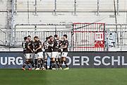 Fussball: 2. Bundesliga, FC St. Pauli - Würzburger Kickers, Hamburg, 17.04.2021<br /> Jubel FC St. Pauli nach dem Treffer zum 1:0 durch Omar Marmoush<br /> © Torsten Helmke