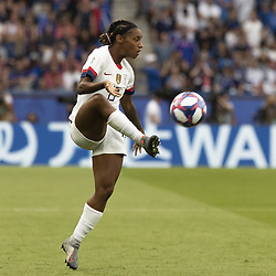 June 28, 2019 - Paris, França - PARIS, IF - 28.06.2019: FRANCE VS USA - Crystal Dunn of the United States during a match between France and United States. World Cup Qualification Football. FIFA. Held at the Parc des Princes Stadium in Paris, France  (Credit Image: © Richard Callis/Fotoarena via ZUMA Press)