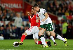 October 9, 2017 - Cardiff, Pays de Galles - Republic of IrelandÃ•s Ciaran Clark in action with Wales' Hal Robson-Kanu (Credit Image: © Panoramic via ZUMA Press)