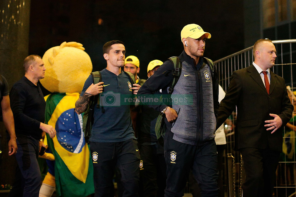 June 25, 2018 - Moscou, Rússia - MOSCOU, MO - 25.06.2018: ARRIVAL OF THE SELECTION IN MOSCOW - Neymar Jr. arrives at Renaissence Monarch Hotel, where the selection will be hosted in Moscow, Russia. (Credit Image: © Marcelo Machado De Melo/Fotoarena via ZUMA Press)