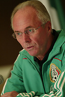 Fotball<br /> Foto: Piko Press/Digitalsport<br /> NORWAY ONLY<br /> <br /> SVEN GÖRAN ERIKSSON , head coach of the selection of Mexico, giving a Press Conference at the Sutton Place Hotel in Canada after the Match between Mexico and Canada.<br /> 14 October 2008