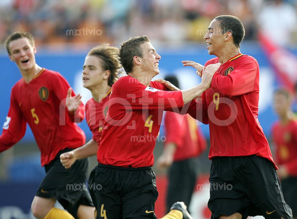 Fussball International U17 WM Korea  Belgien - Tunesien Belgium - Tunesia Nill Depauw (BEL, re.) und Koen Hustnix (BEL, 2.v.r.) jubeln nach Tor zum 1:2.