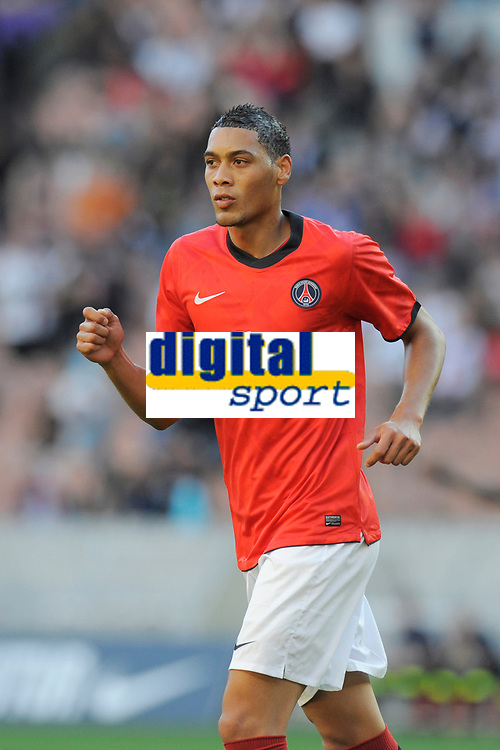 FOOTBALL - UEFA EUROPA LEAGUE 2010/2011 - PLAY OFF - 1ST LEG - PARIS SG v MACCABI TEL AVIV - 19/08/2010 - PHOTO JEAN MARIE HERVIO / DPPI - GUILLAUME HOARAU (PSG)