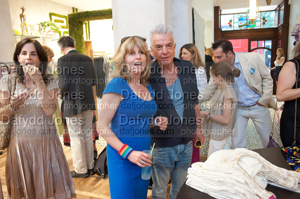 RACHEL JOHNSON; NICKY HASLAM, SIBLING RIVALRY BOOK LAUNCH. ANTHROPOLOGIE. KING'S RD. LONDON. 24 May 2010. -DO NOT ARCHIVE-© Copyright Photograph by Dafydd Jones. 248 Clapham Rd. London SW9 0PZ. Tel 0207 820 0771. www.dafjones.com.