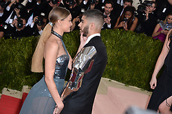 Zayn Malik and Gigi Hadid attend the Manus x Machina: Fashion in an Age of Technology Costume Institute Benefit Gala at Metropolitan Museum of Art on May 2, 2016 in New York City, NY, USA. Photo by Lionel Hahn/ABACAPRESS.COM  | 545160_136 New York City Etats-Unis United States