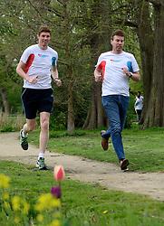 10-04-2014 NED: NY City Marathon training Vriendenloterij, Amsterdam<br /> In het Amsterdamse Vondelparkwerden de eerste meters ggelegd door de lopers van de vriendenloterij / Bas en Han