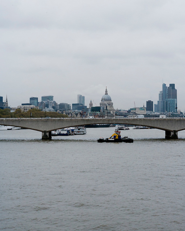 View over Thames in London