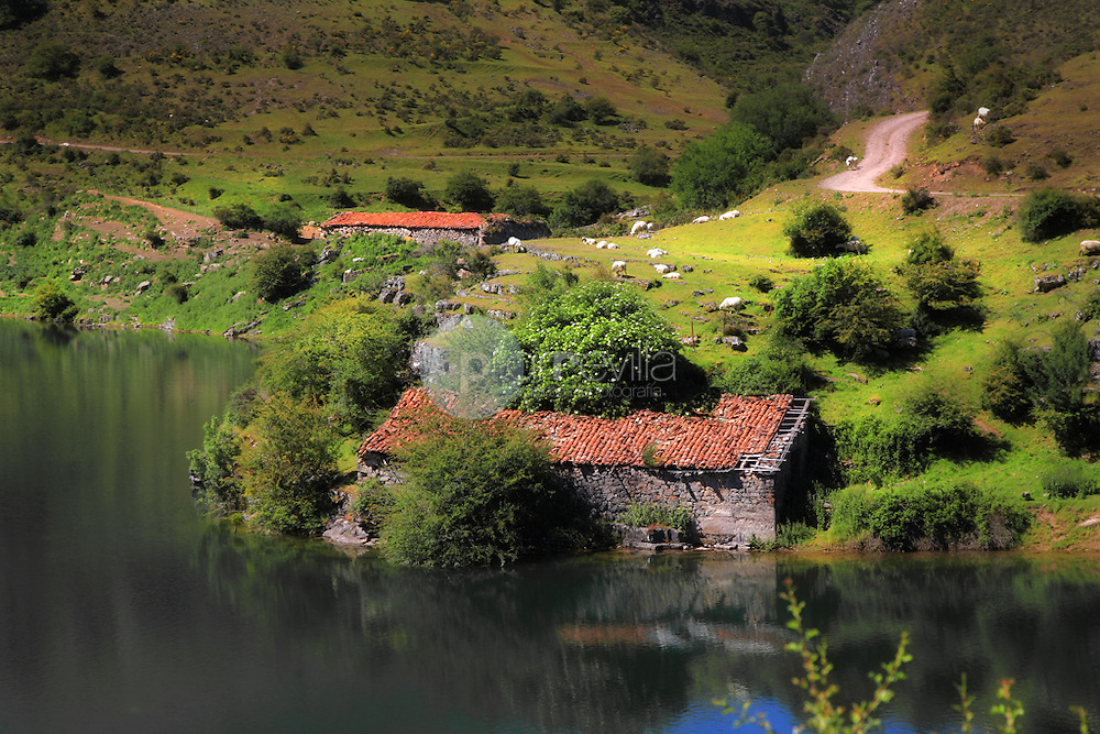 Embalse de Mansilla de la Sierra. La Rioja ©Daniel Acevedo / PILAR REVILLA