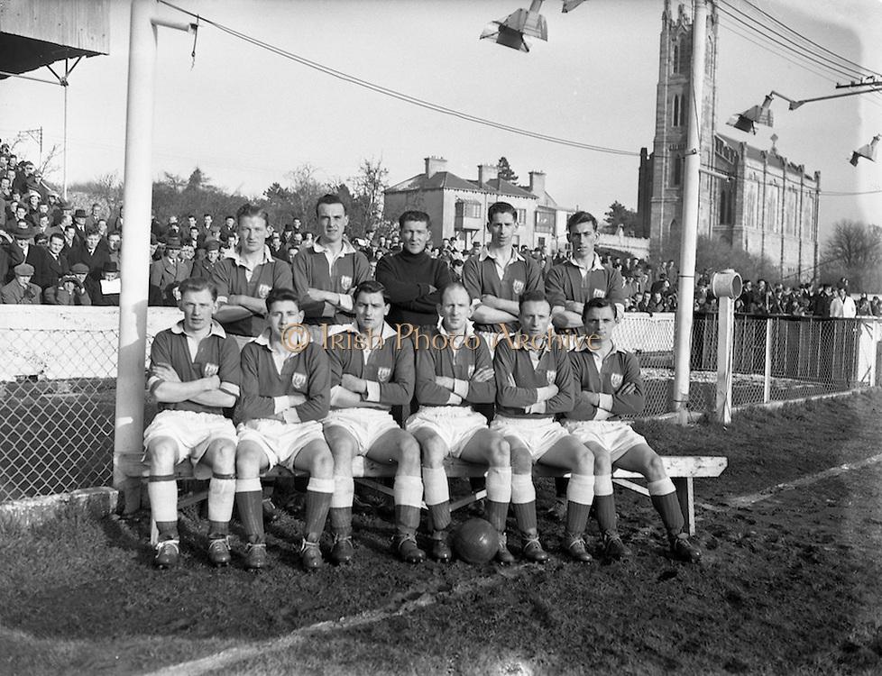 13/2/1955<br /> 2/13/1955<br /> 13 February 1955<br /> Soccer: St. Patrick Athletic v Cork at Chapelizod, Dublin. The Cork Team.