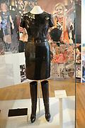 "Beatrix opent tentoonstelling Máxima, 10 jaar in Nederland.//<br /> Queen Beatrix opens the exibition Maxima 10 years in the Netherlands<br /> <br /> Op de foto: ""Leren Outfit"" // ""Leather Outfit"""