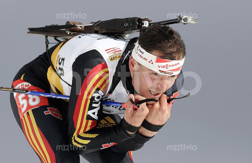 Biathlon Weltcup 2005/2006 Hochfilzen Sprint Herren Sven Fischer (GER) in der Abfahrt