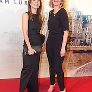 NLD/Amsterdam/20151130 - Film Premiere Publieke Werken, Nadja Hupscher en Eva Duijvestein (R)