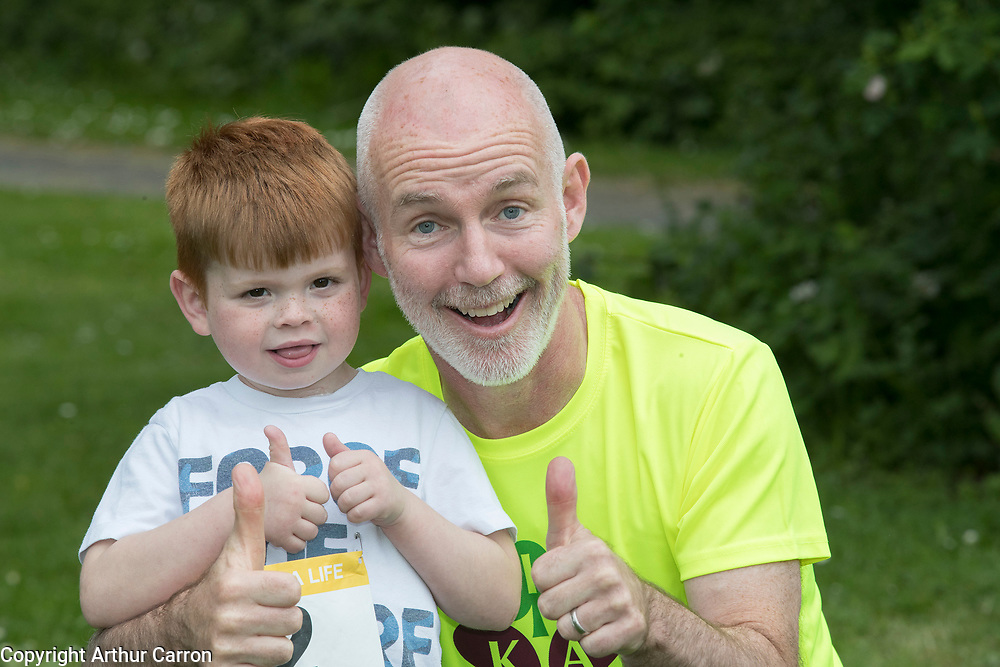 NO FEE PICTURES                                                                                                                                                RTE's Ray D'Arcy was joined by hundreds of people from throughout the country who donned their running shoes at the weekend to support the Irish Kidney Association's Run for a Life. The family fun run, which is now in its eleventh year and celebrates organ donation and transplantation, was held at Corkagh Park, Clondalkin, Dublin 22 on Saturday 25th May. The 'Run for a Life' was open to people of all ages and levels of fitness who could choose to walk, jog or run in the event, which offered prizes for winners in a choice of chip timed 2.5km, 5km and 10km distances. www.runforalife.ie. Pictured are : Ray D'Arcy with Sam Kinihan, age 5, Bladoyle, who will receive his fathers kidney next month after being on dialysis since he was a baby. Picture: Arthur Carron