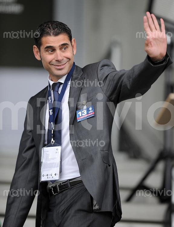 FUSSBALL   UEFA U21-EUROPAMEISTERSCHAFT 2011   Halbfinale  22.06.2011 Spanien - Weissrussland Fernando Ruiz Hierro ist Sportdirektor des Spanischen Fussballverbandes  (Spanien)