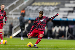 NEWCASTLE-UPON-TYNE, ENGLAND - Wednesday, December 30, 2020: Liverpool's Roberto Firmino during the pre-match warm-up before the FA Premier League match between Newcastle United FC and Liverpool FC at St. James' Park. The game ended in a goal-less draw. (Pic by David Rawcliffe/Propaganda)