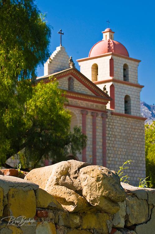 Stone figure on aquaduct at the Santa Barbara Mission (Queen of the missions), Santa Barbara, California