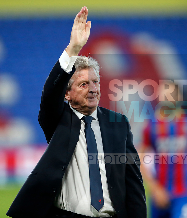 Crystal Palace's Roy Hodgson waves to the crowd during the Carabao cup match at Selhurst Park Stadium, London. Picture date 19th September 2017. Picture credit should read: David Klein/Sportimage