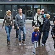 NLD/Amsterdam/20111119 - Premiere Happy Feet 2, Edwin Evers met partner Leonie en neefje en nichtje