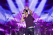 111514 Enrique Iglesias Performs in Concert in Madrid