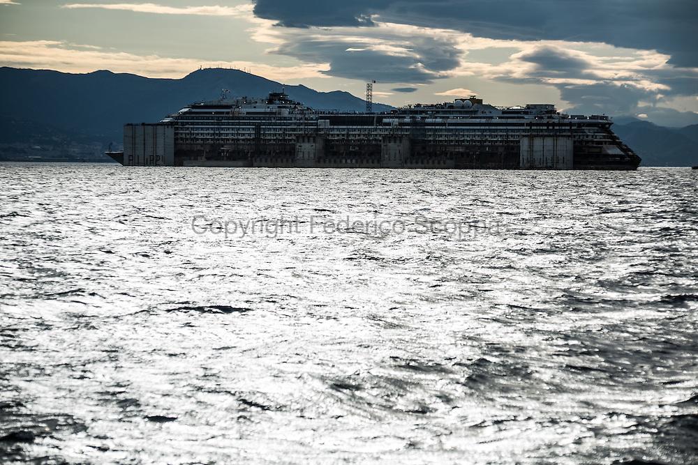 The Costa Concordia convoy arrives at Genao Voltri port