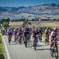 18-09-2020: Wielrennen: Giro Rosa: San Marco la Catola<br /> Het peloton