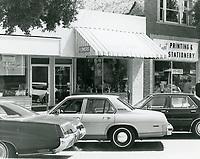 1977 Shops on Larchmont Blvd.