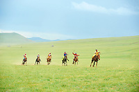 Mongolie, province de Arkhangai, Tsetserleg, course de chevaux pour la fete du Naadam // Mongolia, Arkhangai province, horses race for the Naadam festival