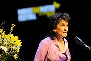 Mabel bij A MATTER OF ACT NIGHT.<br /> <br /> Op zaterdagavond 27 was in Theater aan het Spui een bijzondere avond plaats; de eerste A Matter of ACT Night.<br /> <br /> Op de foto:  Amnesty Nederland voorzitter Sandra Lutchman