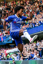 Willian of Chelsea celebrates scoring a goal to make it 1-1 - Rogan Thomson/JMP - 21/05/2017 - FOOTBALL - Stamford Bridge - London, England - Chelsea v Sunderland - Premier League..