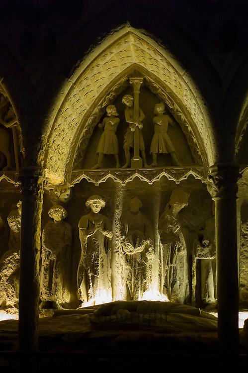 Tomb, Sepulcre of Bishop Martine Fernandez, in Cathedral de Santa Maria de Leon, Castilla y Leon, Spain RESERVED USE