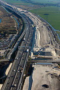 Nederland, Utrecht, Breukelen, 20-03-2009. Zandlichaam voor de te verbreden A2, na voltooiing van de wegverbetering heeft de snelweg 2x5 rijbanen. Sand dam for the widening of the motorway A2..Swart collectie, luchtfoto (toeslag); Swart Collection, aerial photo (additional fee required).foto Siebe Swart / photo Siebe Swart