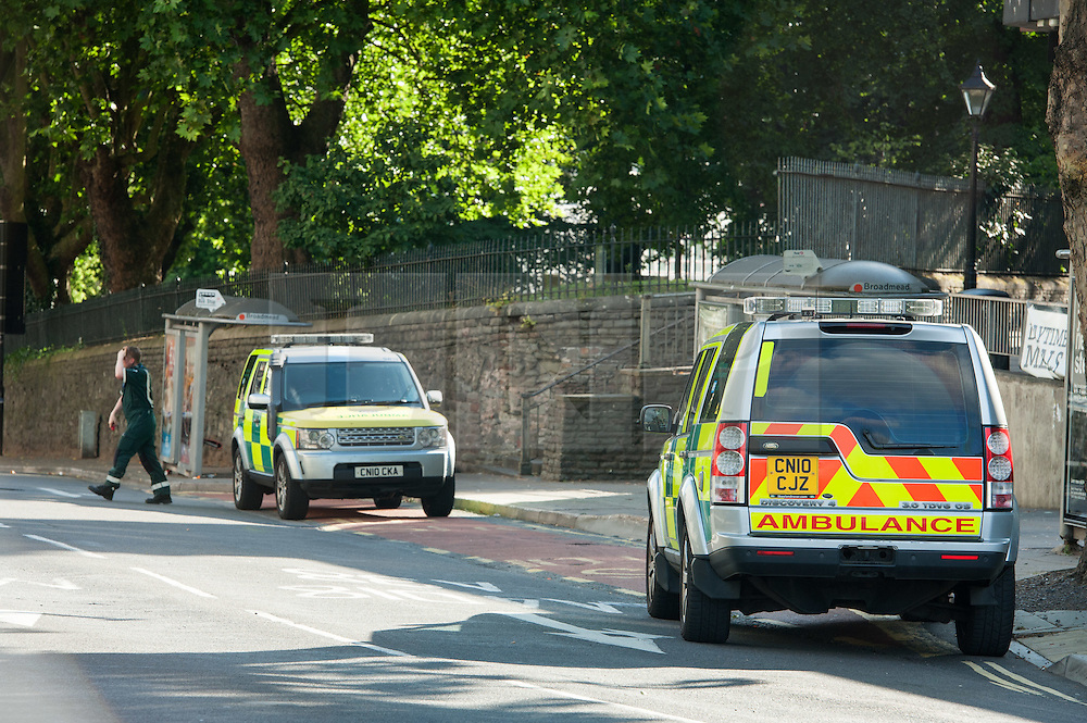 © Licensed to London News Pictures. 14/08/2016. Bristol, UK. Police seal off parts of Bristol city centre and call in the Bomb Disposal team after a suspicious vehicle, thought to be a green VW car was found parked right by Bridewell Police station. Photo credit : Simon Chapman/LNP