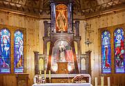 Kościół parafialny p.w. św. Kazimierza w Kościelisku, ołtarz główny. Zakopane.