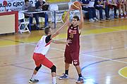 DESCRIZIONE : Viadana Trofeo del 50' esimo Lega A 2014-15 Dinamica Mantova Umana Venezia<br /> GIOCATORE : Ceron Marco<br /> CATEGORIA : Passaggio precario<br /> SQUADRA : Umana Venezia<br /> EVENTO :Torneo del 50'esimo<br /> GARA : Dinamica Mantova Umana Venezia<br /> DATA : 13/09/2014 <br /> SPORT : Pallacanestro <br /> AUTORE : Agenzia Ciamillo-Castoria/I.Mancini<br /> Galleria : Lega Basket A 2014-2015 Fotonotizia : Torneo del 50'esimo Lega A 2014-15 Dinamica Mantova Umana Venezia <br /> Predefinita :