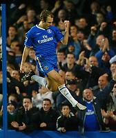 Fotball<br /> Premier League England 2004/2005<br /> 18.12.2004<br /> Foto: BPI/Digitalsport<br /> NORWAY ONLY<br /> <br /> Chelsea v Norwich City<br /> FA Barclays Premiership<br /> 18/12/2004.<br /> <br /> Arjen Robben of Chelsea celebrates the third.
