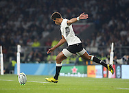 Fiji's Centre Gabiriele Lovobalavu missing Fiji penalty during the Rugby World Cup Pool A match between England and Fiji at Twickenham, Richmond, United Kingdom on 18 September 2015. Photo by Matthew Redman.