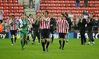 Photo: Andrew Unwin.<br /> Sunderland v Fulham. The Barclays Premiership. 04/05/2006.<br /> Sunderland's captain, Gary Breen, leads the lap of honour at the end of the game.