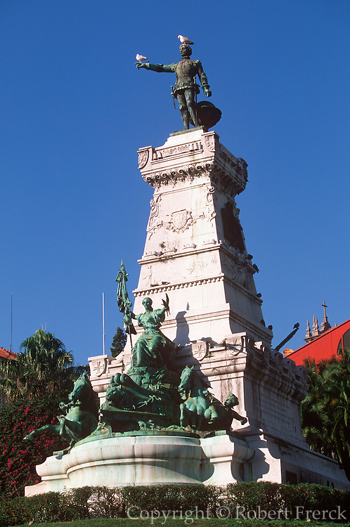 PORTUGAL, DOURO, PORTO statue of Infante de Dom Henrique