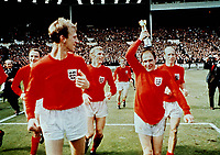 Fotball<br /> Foto: Colorsport/Digitalsport<br /> NORWAY ONLY<br /> <br /> Ray Wilson with the trophy on England's lap of honor. L to R. George Cohen, Jack Charlton, Bobby Moore, Alan Ball, Wilson, Bobby Charlton - England v West Germany 1966 World Cup Final @ Wembley