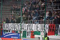 """Striscione razzista tifosi italiani<br /> Klagenfurt, 17/11/2010 Stadio """"Wortersee""""<br /> Italia-Romania<br /> Amichevole internazionale<br /> Foto Nicolo' Zangirolami Insidefoto"""