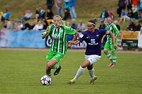 Fußball, Frauen, FC Erzgebirge Aue - VfL Wolfsburg; vl Synne Jensen (Wolfsburg, 7) gegen Tina Liebold Zweikampf,<br /> <br /> Norway only
