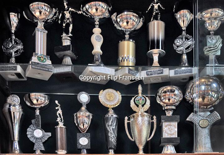 Nederland, Gendt, 1-7-6-2017Speeltuin en voetbalclub Hulhuizen viert het 50 jarig bestaan. De prijzenkast is goed gevuld met bekers en medailles .Foto: Flip Franssen