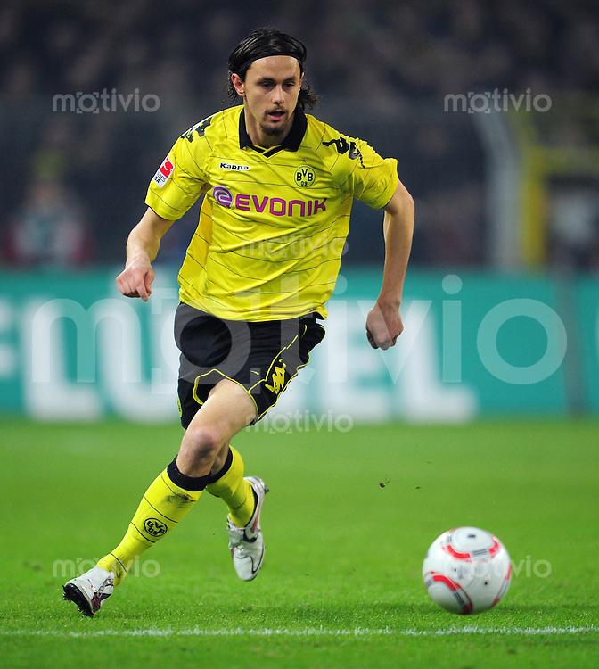 FUSSBALL   1. BUNDESLIGA   SAISON 2010/2010   25. Spieltag Borussia Dortmund - 1. FC Koeln                            04.03.2011 Neven SUBOTIC (Borussia Dortmund) Einzelaktion am Ball